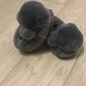 Other - Adorable Toddler Furry Slippers